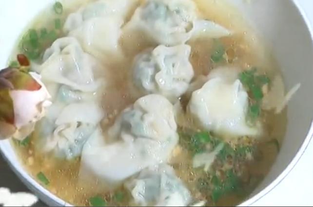 马蹄荠菜虾仁馅混沌